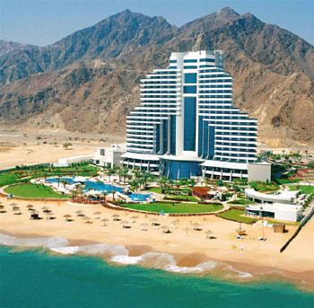 el-mejor-alojamiento-en-fujairah-le-meridien-al-aqah-resort.jpg